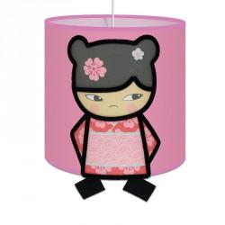 suspension kimi la kokeshi pour chambre enfant fille